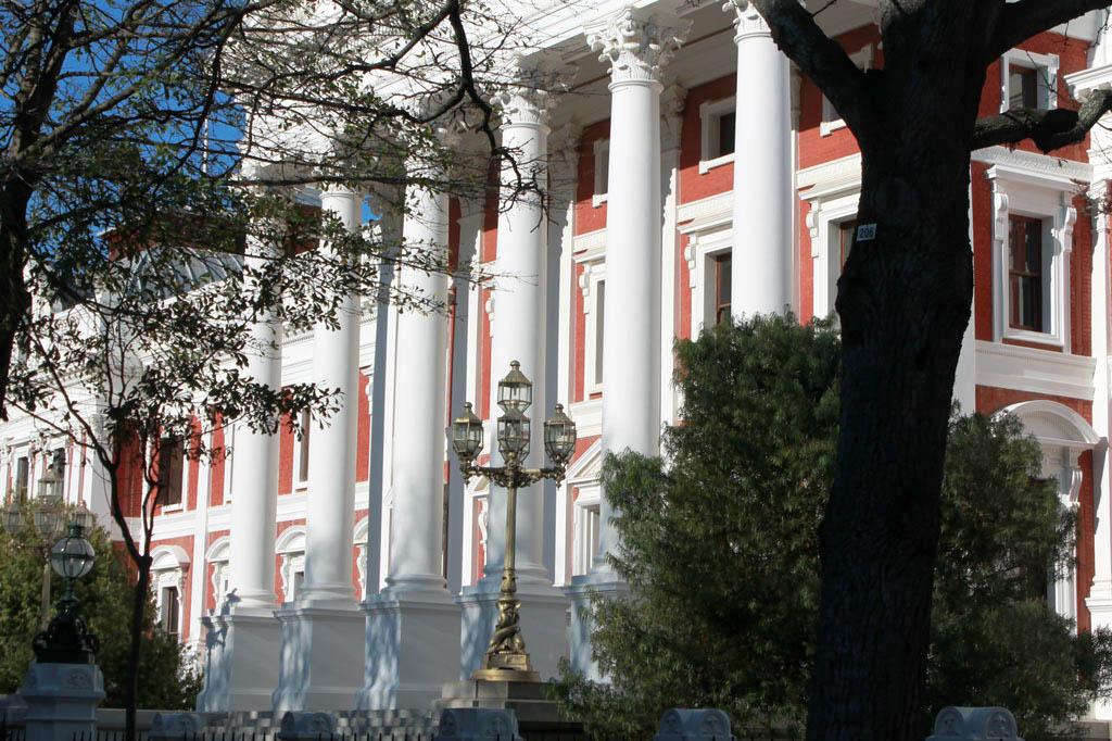 Mother City: Am Rand des Kompaniegartens und mitten im Leben: Südafrikas schmuckes Parlament