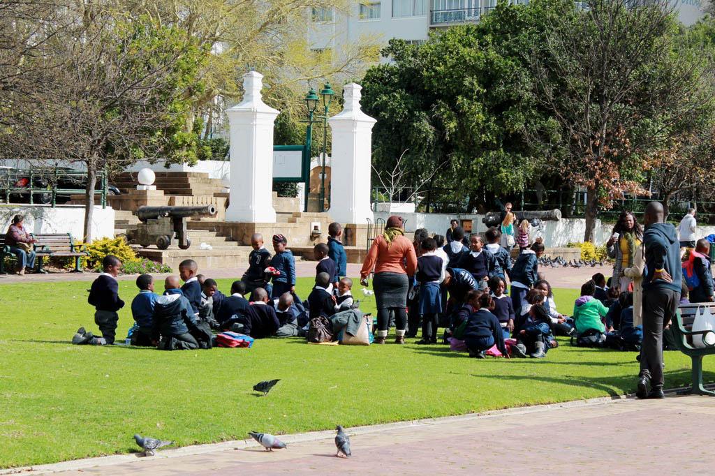 Mother City: Eine Schulklasse auf Parkbesuch