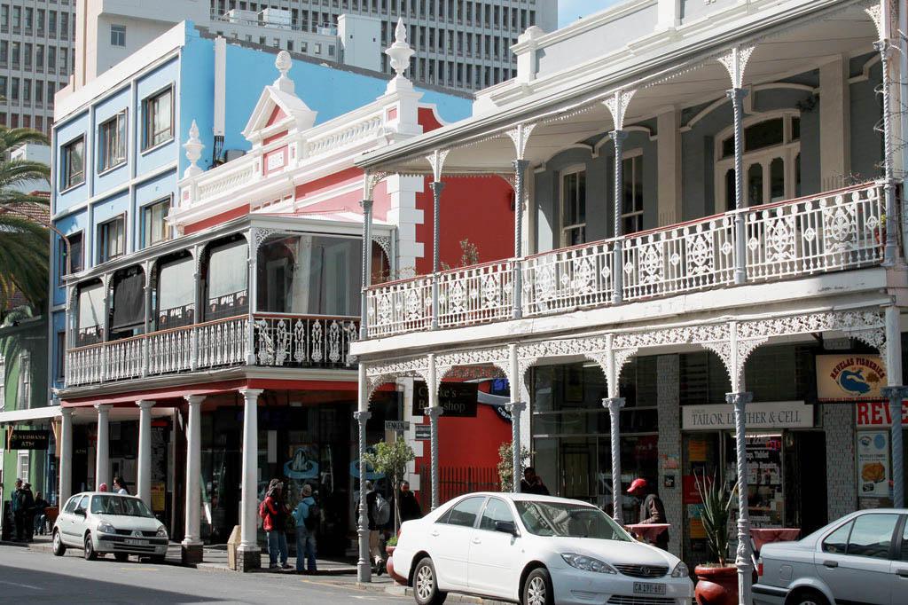 Mother City: Die Long Street mit ihrem viktorianischen Flair ist eine der zentralen Achsen im Schachbrettmuster des Stadtzentrums.