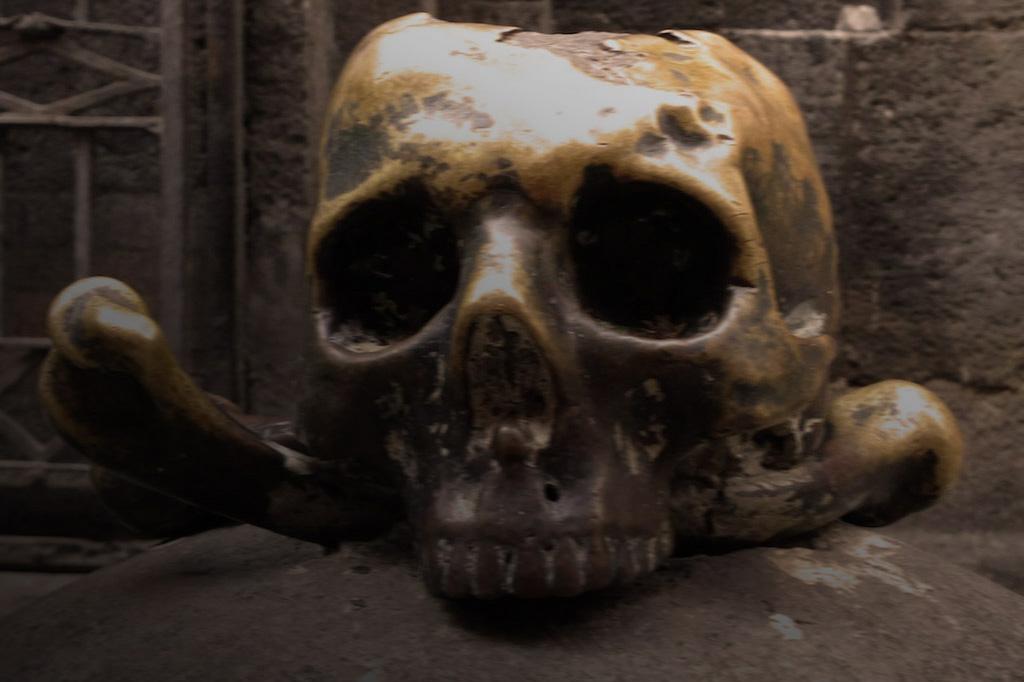 Bronze Totenkopf aus Neapel.
