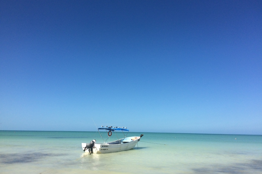 Küste und Meer auf Isla Holbox.