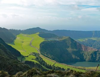 Azoren: Vulkanland mit Banlieue