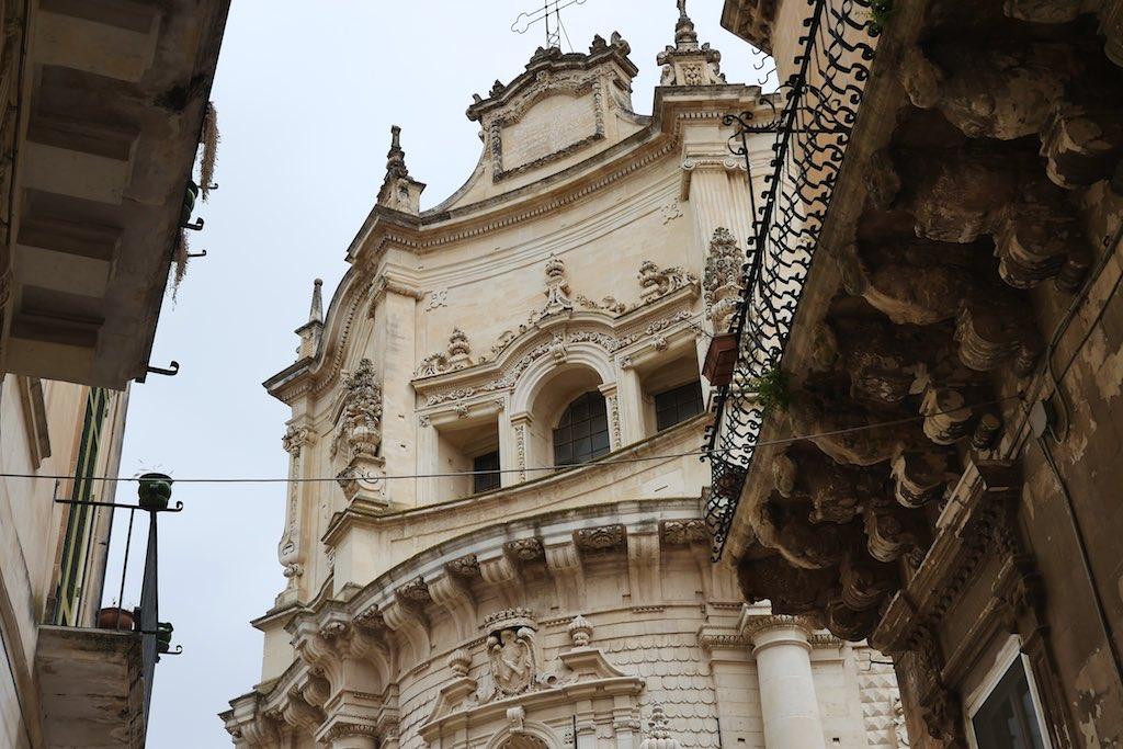 Barocke Kirchenfassade in Lecce.