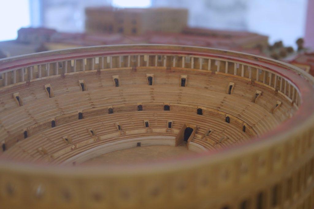 Detail eines Modells des römischen Theaters von Lecce.