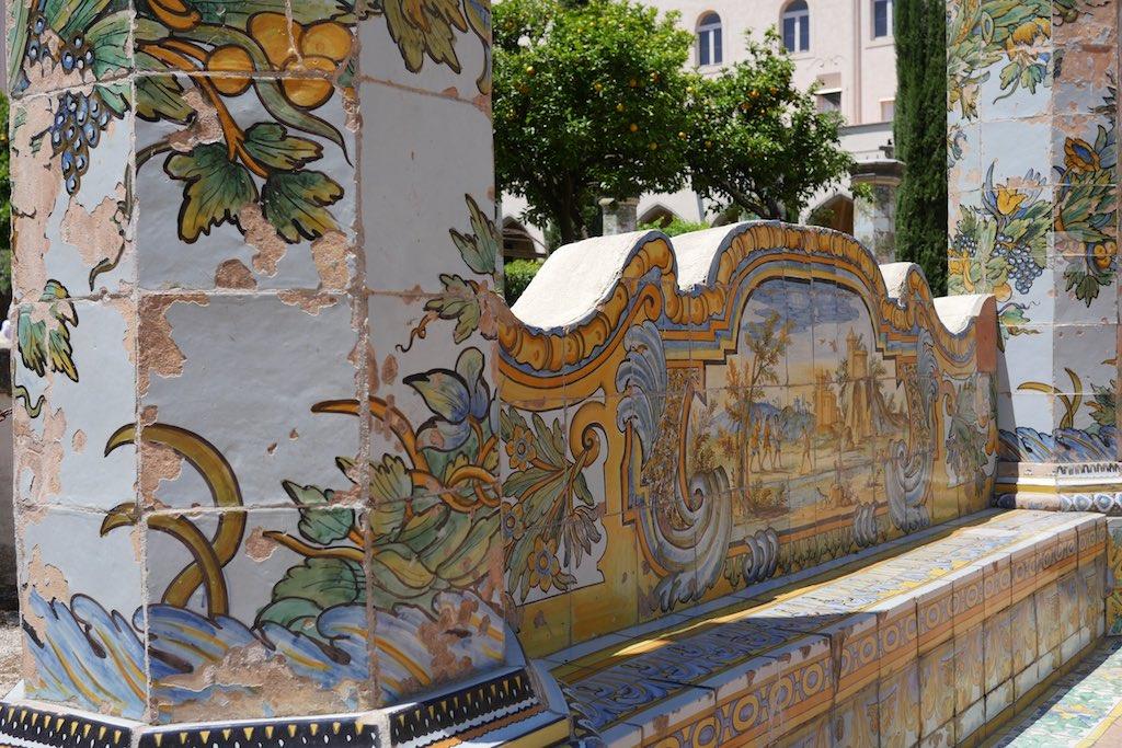Der Majolika Kreuzgang ist ein absoluter Neapel Tipp.