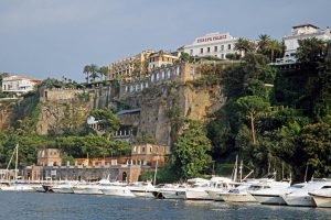 Gran Paradiso: Hotels am Hafen von Sorrent