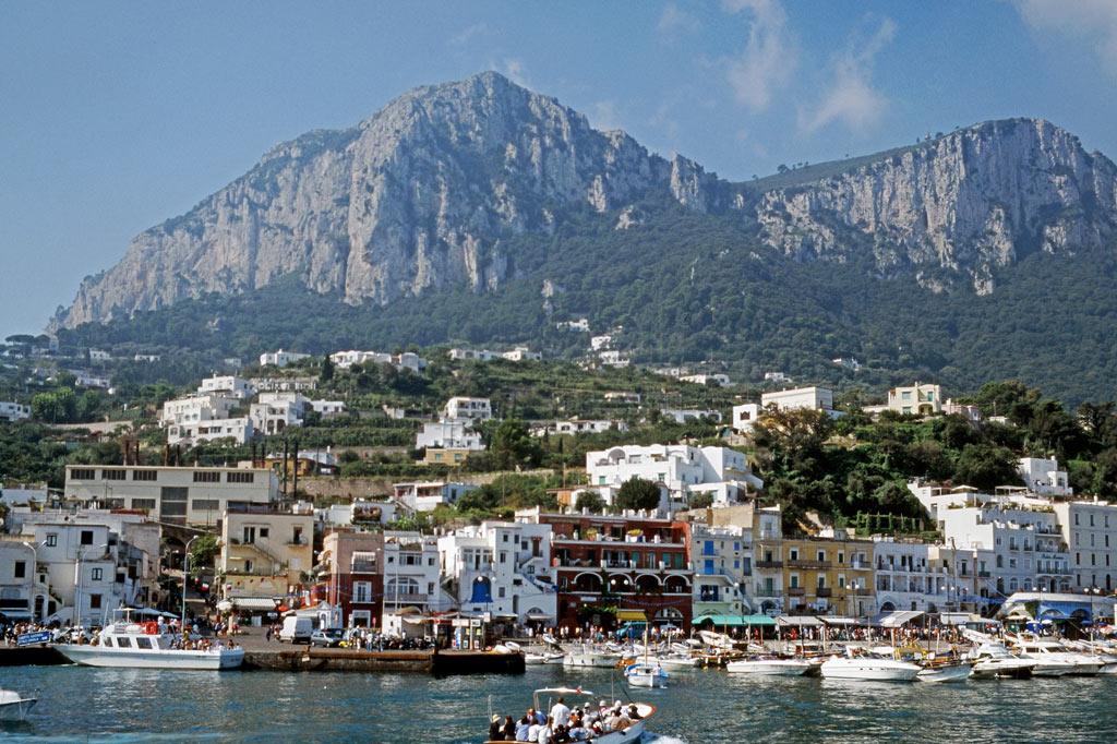 Gran Paradiso: Auch da haben wir manchmal getafelt, selbst wenn die Restaurants nicht die besten der Stadt waren: an der Marina Grande von Sorrent.