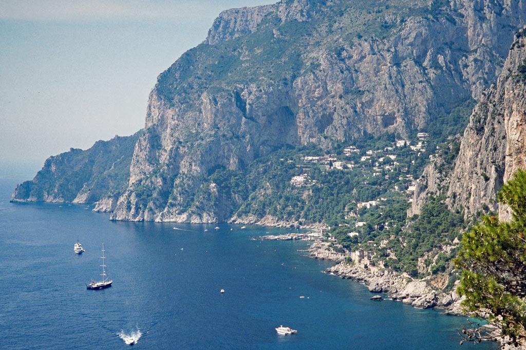 Gran Paradiso: Die Amalfitana nicht weit von Sorrent: Hier herrscht ein ziemlicher Überfluss an Gran Paradisos.