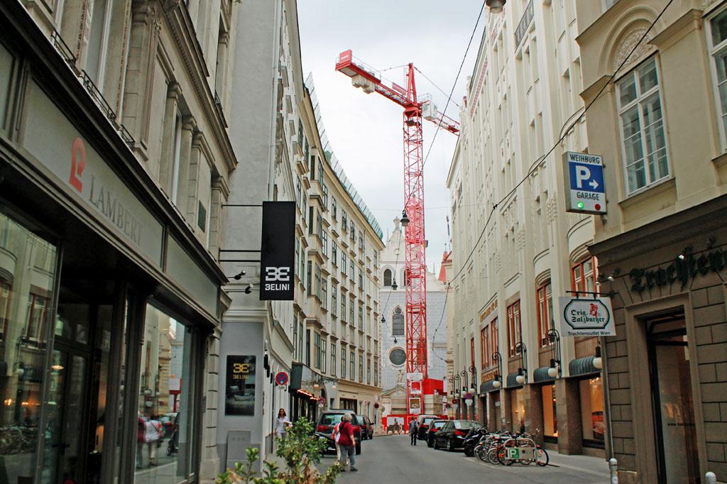 Wenn wie in Wien eine ganze Altstadt zum Weltkulturerbe erklärt wird, hat Denkmalschutz Hochkonjunktur. Ein paar zusätzliche Etagen sind trotzdem drin.