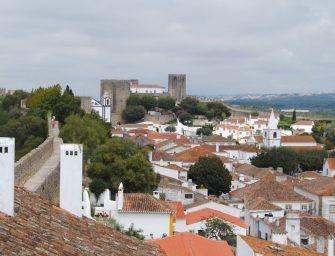 Malerisches Portugal. Echte Puppenstädte