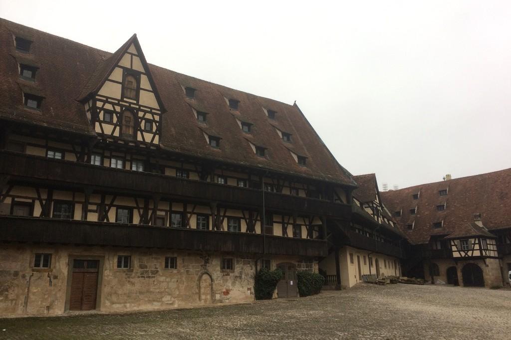 Innenhof der alten Hofhaltung.