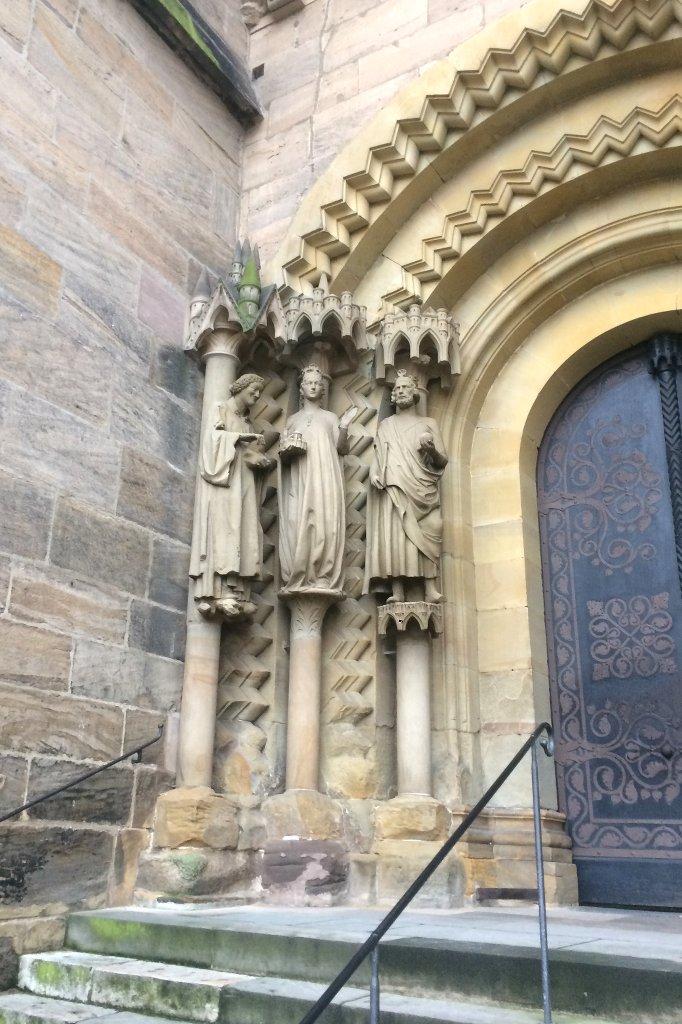 Gotische Stifterfiguren am Bamberger Dom.