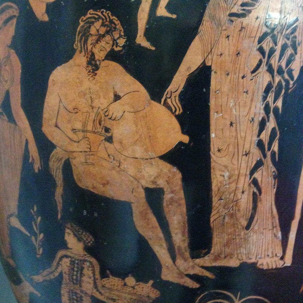 Silen der sich Wein einschenkt. Vase auf dem Museum Jatta.