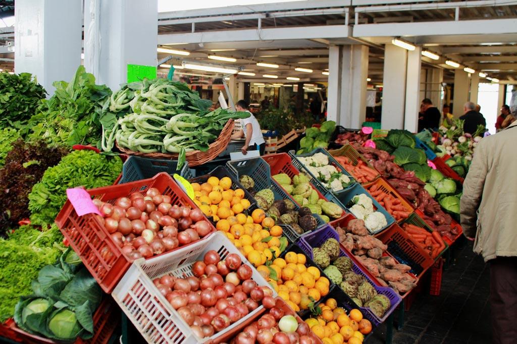 Delikatessen - Wie das Land, so die Märkte: Gemüse und Früchte im Überfluss und angenehmerweise ohne jede Inszenierung – die Ware spricht für sich.