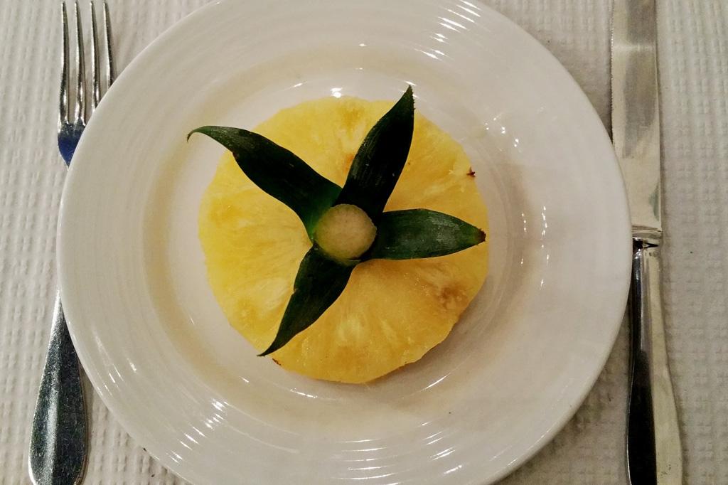 Die Azoren-Ananas gilt als Delikatessen. Für unseren Geschmack ist sie nicht das leckerste Obst, das die Inseln zu bieten haben.