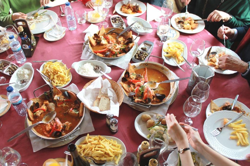 Bessere Touristen werden wir durch regionales Essen.