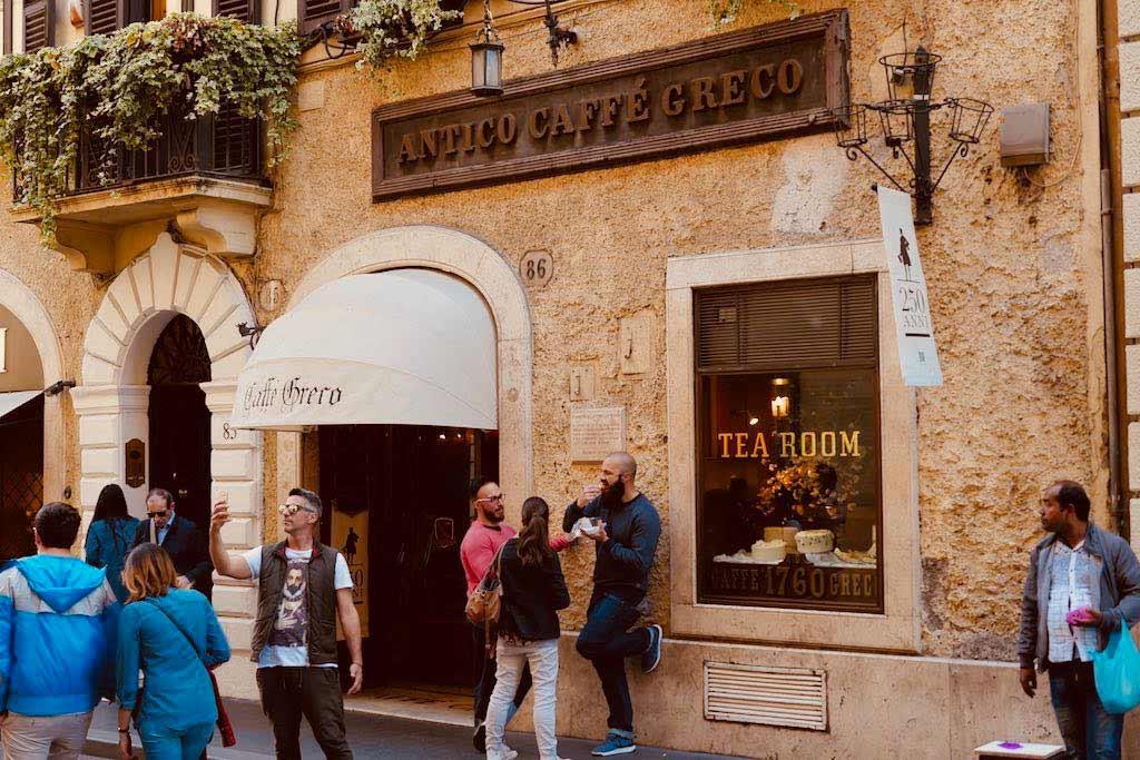 Das Caffè Greco in der Via Condotti, ein Rom Tipp für Genießer.