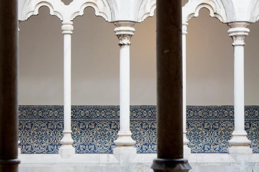 Lissabon Tipp: Mit der Metro zu den Azulejos Kacheln: Der Kreuzgang des Klosters Madre de Deus im maurischen Stil.