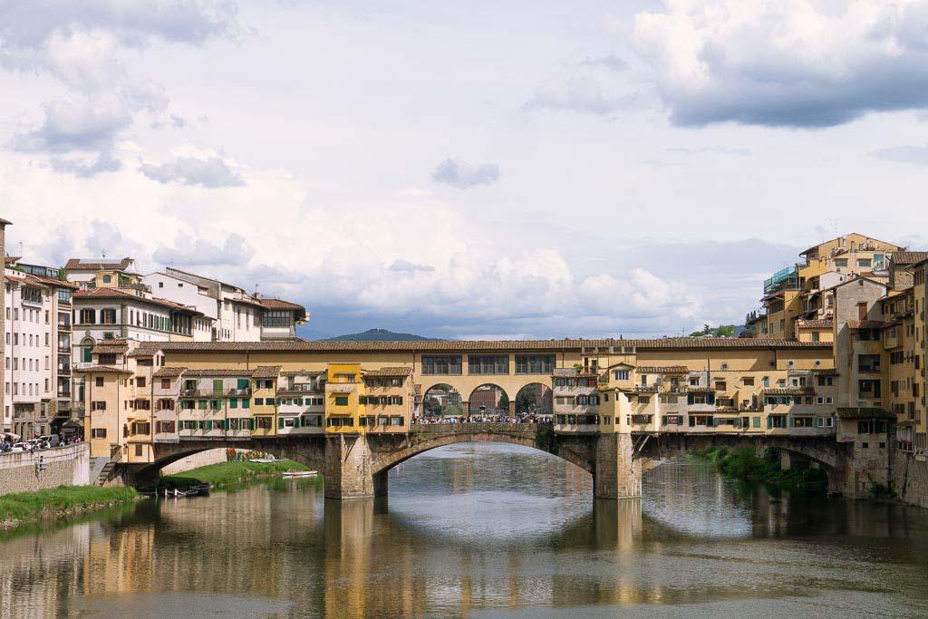 Florenz Tipp Spaziergang über die Ponte Vecchio.