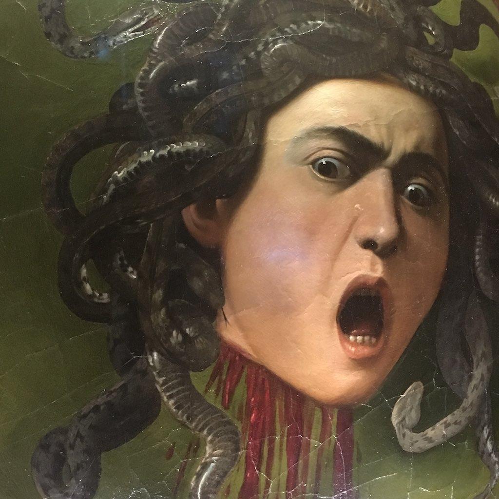 Medusa von Caravaggio in den Uffizien von Florenz.