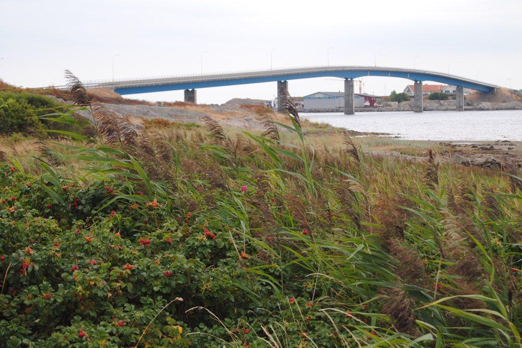 Brücke zwischen den Schäreninseln Hönö und Fotö.