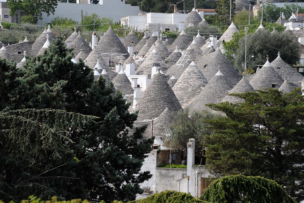 Blick auf die Trulli-Häuser in Alberobello.