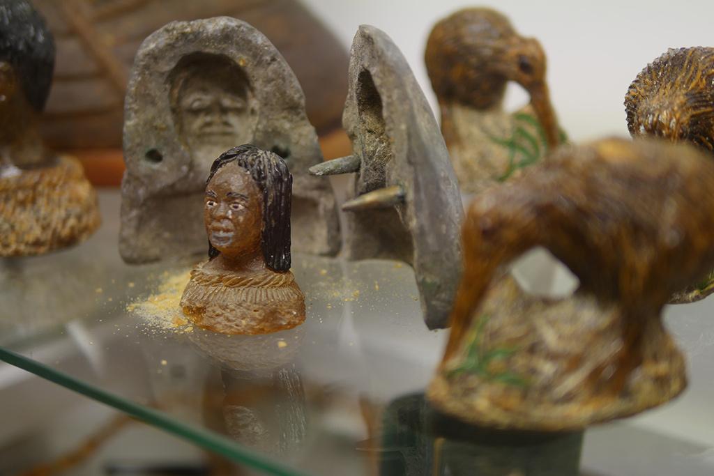 Kleine Maori Skulptur.