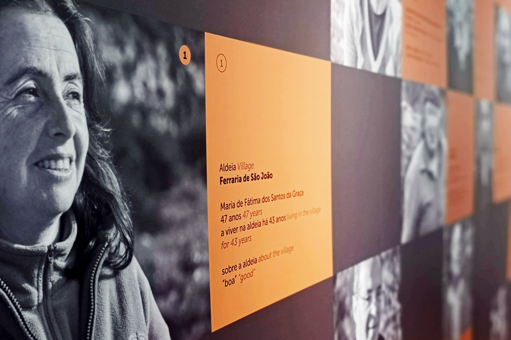 Ab aufs Land: Dorfkultur made in Portugal – Eine Fotowand porträtiert Menschen, die in den Aldeias do Xisto leben.