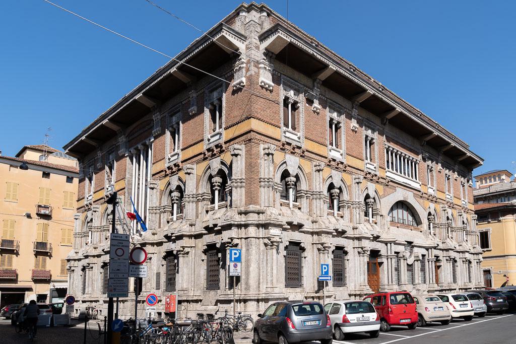 Jugendstilgebäude in der Altstadt von Mantua.