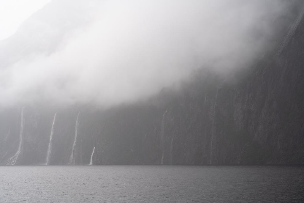 Wolkenbildung im Milford Sound.