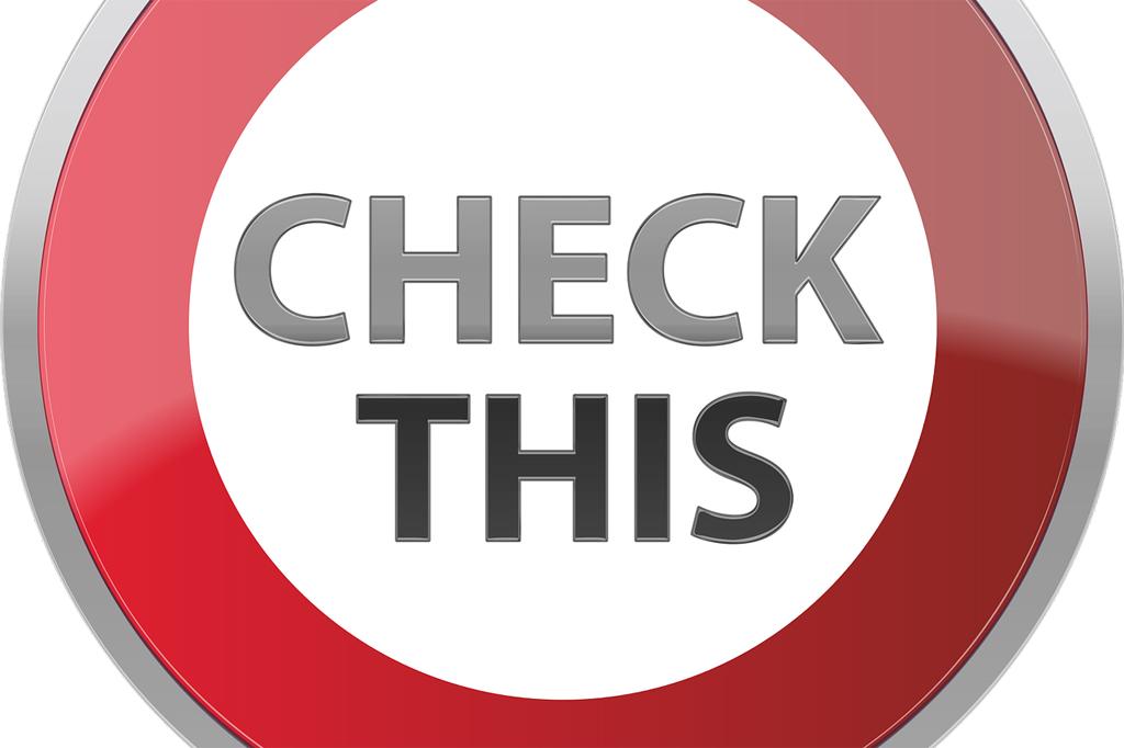"""""""Check This"""": Aufforderung als Verkehrsschild"""
