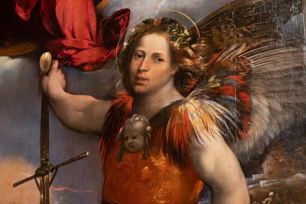 Bild des Erzengels Michael mit Papageien-Federn.