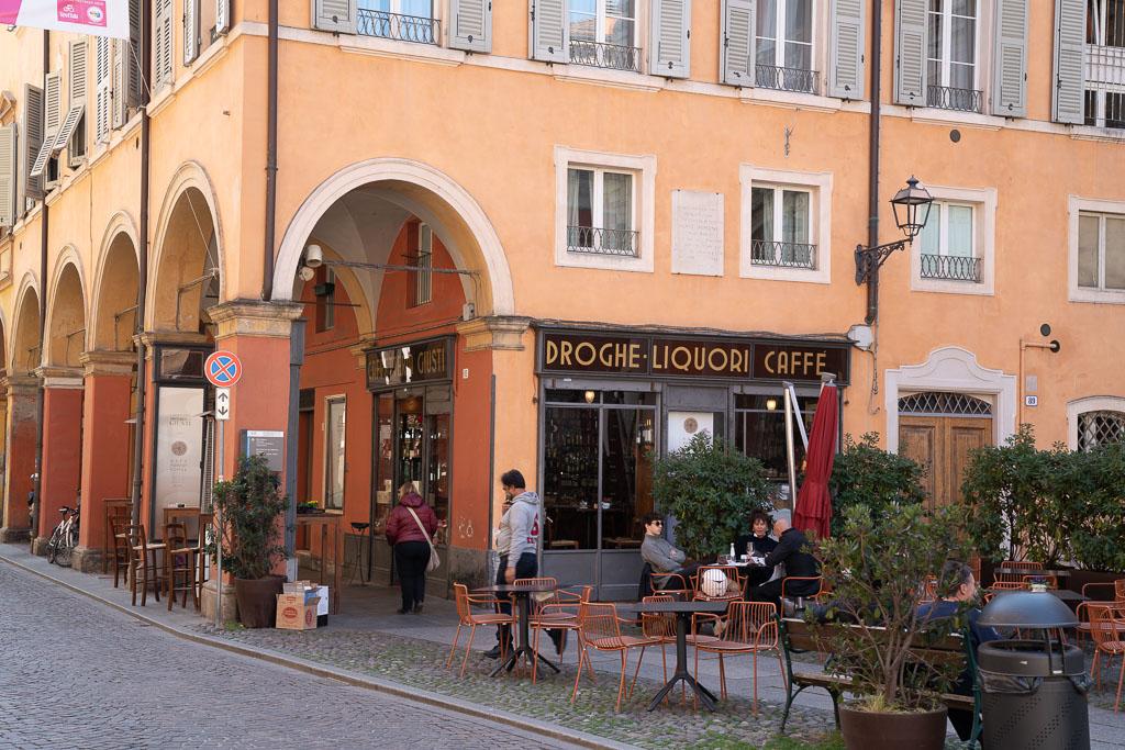 Platz vor dem Palast der Este in Modena.