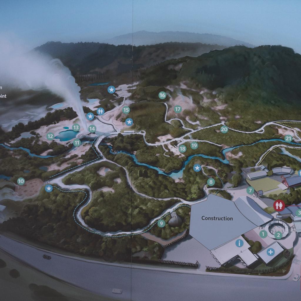 Schautafel mit der Abbildung eines Lageplans der Geysire in Te Puia in Rotorua.