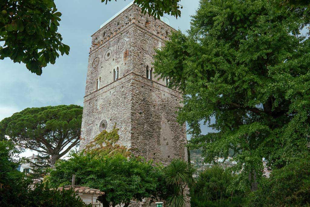 Turm im Garten der Villa Rufolo in Ravello.