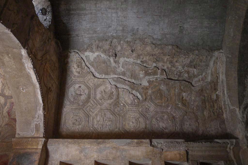 Gewölbe mit Stuck aus den Stabianer Thermen.
