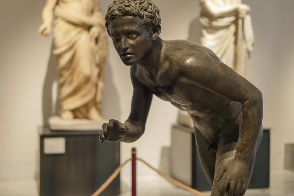 Skulptur aus dem Archäologischen Museum Neapel.